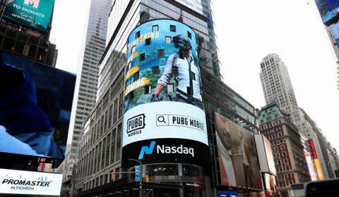 PUBG MOBILE เซอร์ไพรส์ !!!  ทิ้งกล่องปริศนากลางกรุงนิวยอร์ค ไทม์สแควร์